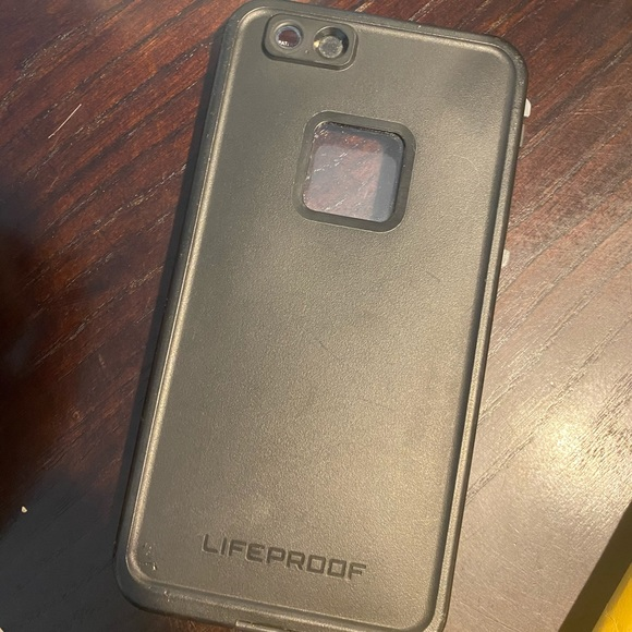 iPhone 7/8 + life proof case!